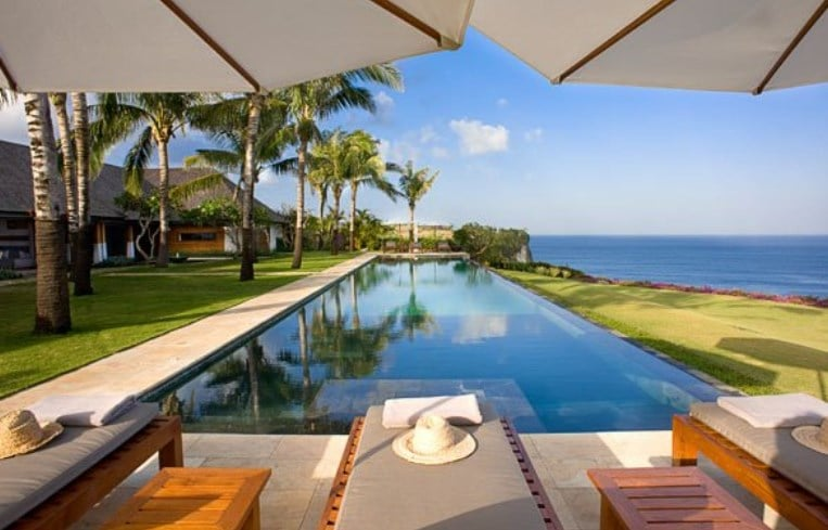 7. The Istana - Inilah 9 Villa Instagramable di Bali dengan Interior Menakjubkan dan Panorama Spektakuler