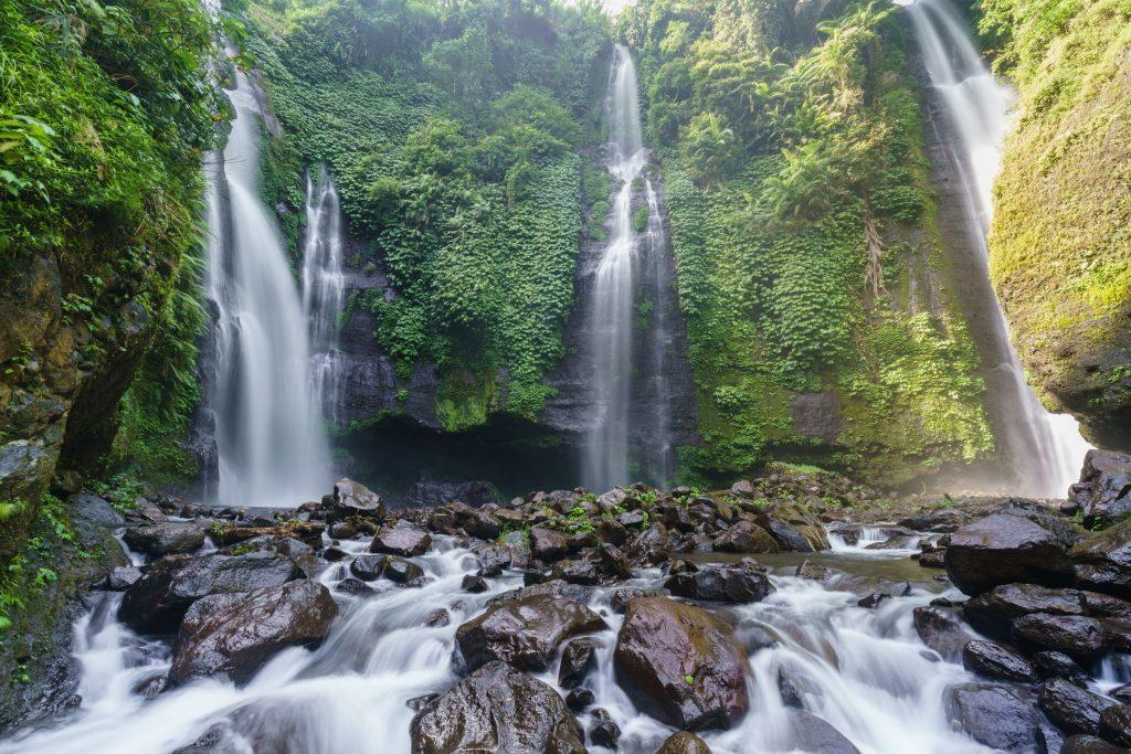 Air Terjun Sekumpul 1024x683 - Wow, Ini 8 Tempat Wisata Bali Mirip Luar Negeri yang Wajib Dikunjungi