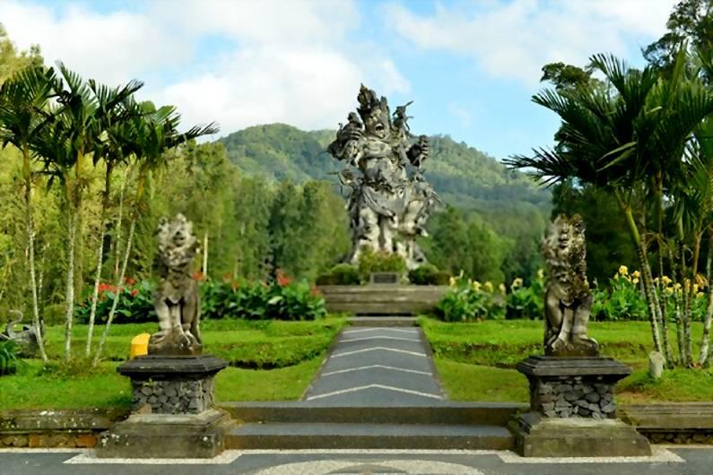 Botanical Garden - 25 Tempat Wisata Instagramable di Ubud Bali Super Cantik