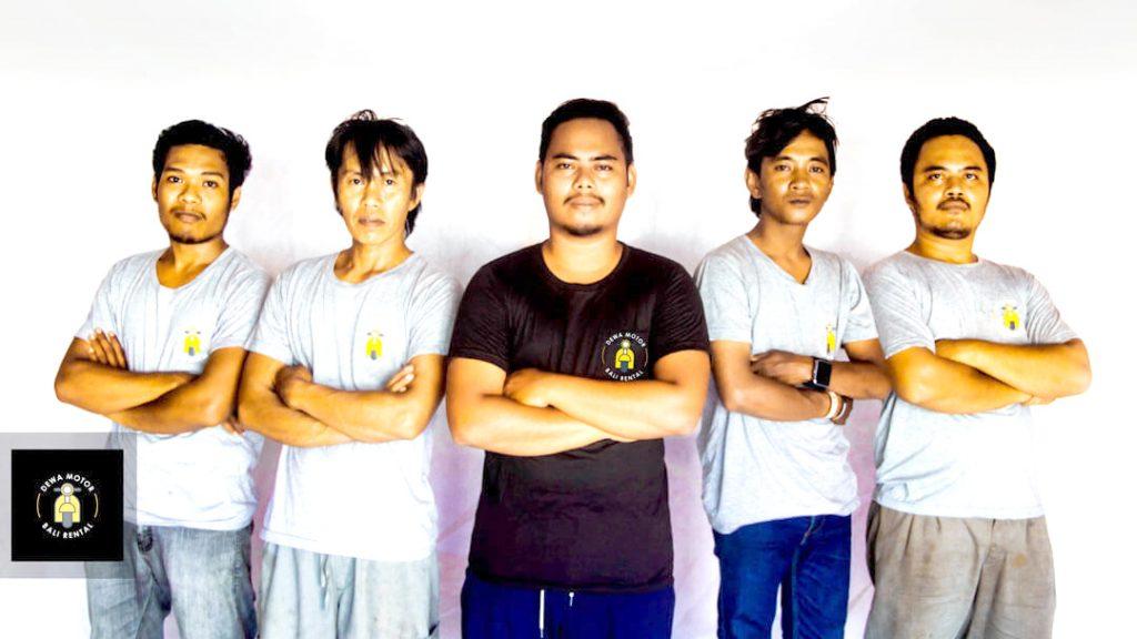Dewa Motor Bali Rental Team 1 1024x576 - Sewa Motor PCX Bali - Harga Rental Honda PCX Di Bali