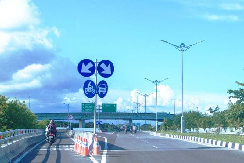Jalur Sepeda Motor - Jalan Tol Bali Mandara - Pembangunan Tol Atas Laut Pertama di Bali