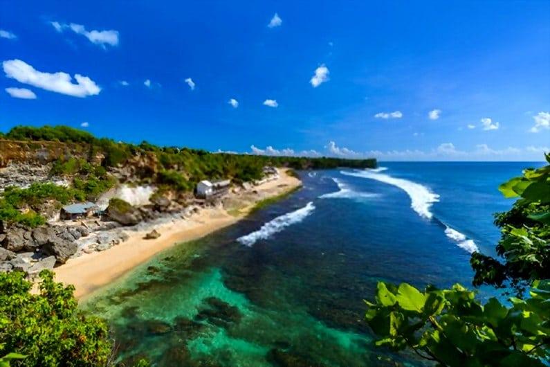 Pantai Balangan - 15 Pantai Bagus di Uluwatu Pulau Dewata Bali