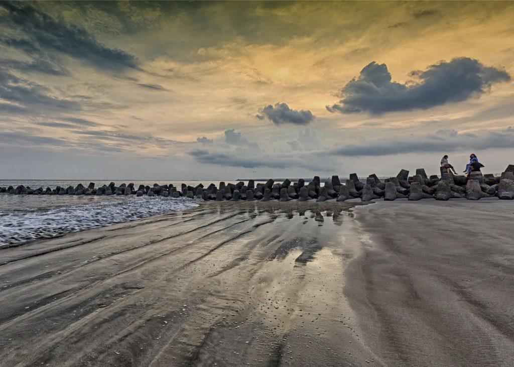 Pantai Jerman 1024x731 - Rekomendasi 8 Tempat Wisata Bali Dekat Bandara Ngurah Rai, Hemat Waktu dan Biaya
