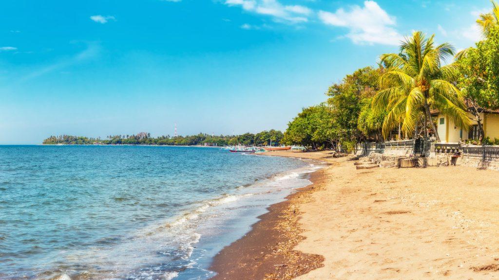 Pantai Lovina 1024x576 - 10 Tempat Wisata Eksotis Bali yang Bikin Anda Enggan Pulang