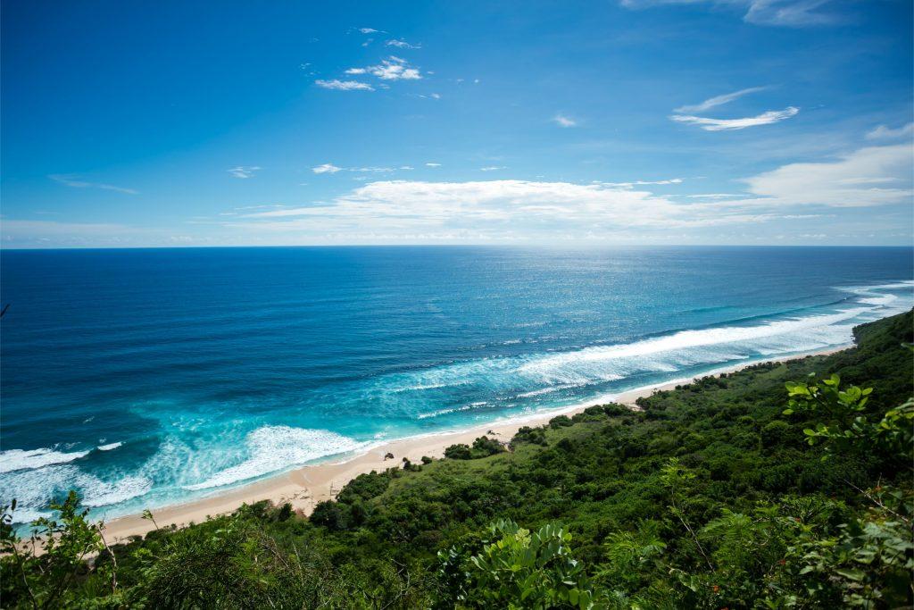 Pantai Nyang Nyang 1024x683 - 9 Tempat Wisata Bali Murah Backpacker yang Instagramable