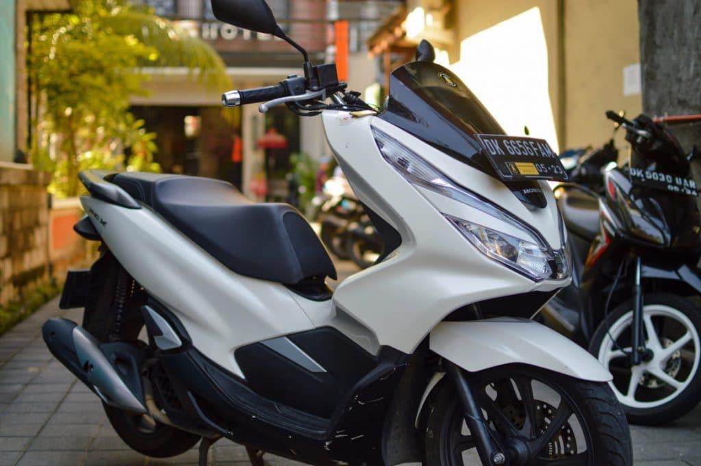 Rental PCX di Bali Dewa Motor 1024x681 - Sewa Motor PCX Bali - Harga Rental Honda PCX Di Bali