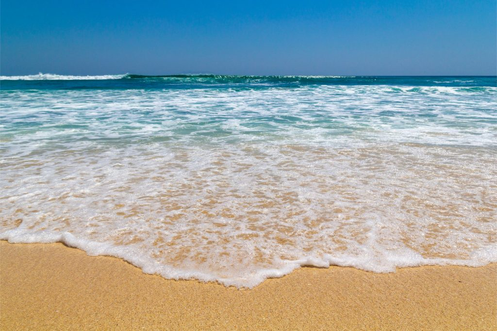 Wisata Echo Beach Canggu Bali 1024x683 - 9 Lokasi Wisata Bali yang Sering Dikunjungi Artis Lokal ataupun Mancanegara