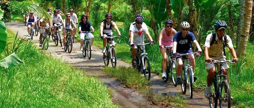 bersepeda di ubud - Hal Terbaik Di Ubud Wajib Di Lakukan Saat Berada Di Ubud
