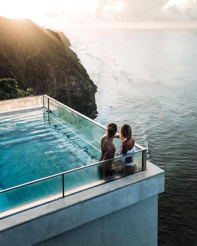 kegiatan di oneeghty edge bali - The Edge Bali Pool | Swimming Pool Unik di Atas Tebing