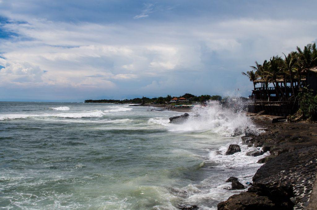 pantai echo bali 1024x678 - Yuk, Coba Serunya Surfing di Wisata Echo Bali