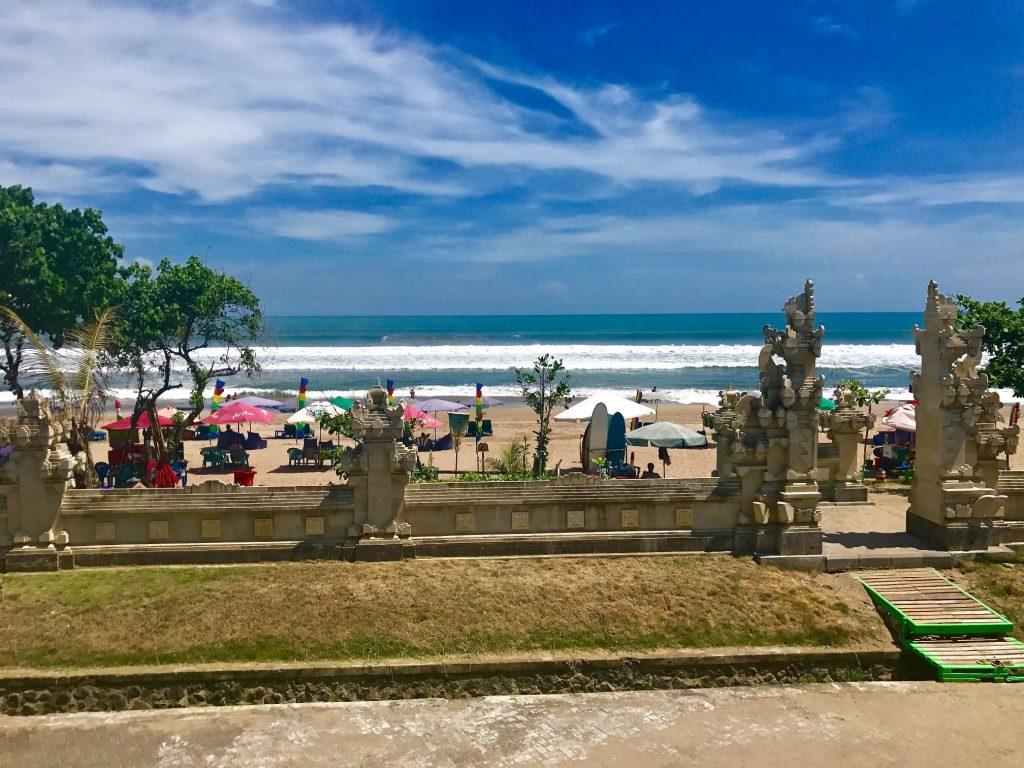 pantai legian 1024x768 - 10 Tempat Wisata Eksotis Bali yang Bikin Anda Enggan Pulang