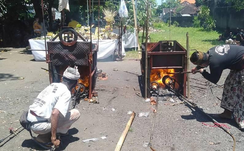 pembakaran mayat ngaben di bali - Keunikan Upacara Pembakaran Mayat Ngaben di Denpasar Bali