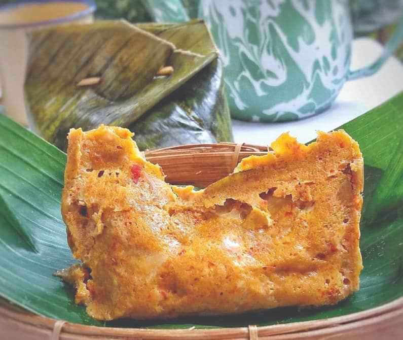 tum ayam khas bali - 10 Makanan Khas Bali yang Mendunia dan Terkenal | Kuliner Bali Lezat