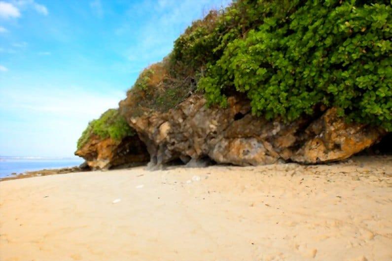 wisata pantai green bowl - Jelajahi Pantai Green Bowl, Surga Tersembunyi Sisi Selatan Bali